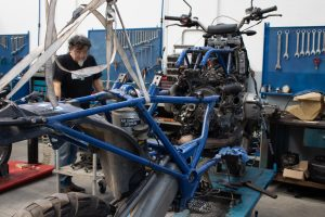 Sostituzione Frizione e Tagliando Completo BMW HP2 Firenze Toscana Officina Riparazione Moto